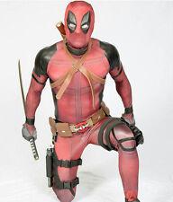 Ryan Reynolds Deadpool costume cosplay.