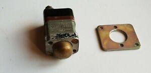 BUS SURPLUS  (AEC BRISTOL LEYLAND CAV DOOR SWITCH TYPE 221 WITH FIXING PLATE)