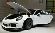 1:24 Scale Model Porsche 911 GT3 RS Turbo White 991 Detailed Welly Diecast Car
