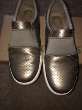 Earth Origins Perforated Leather Slip On Shoes - Melissa Platinum 7 1/2 Wide