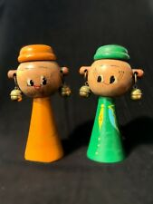 RARE VINTAGE NAPCO GIFTCRAFT PEOPLE EARRINGS WOOD SALT AND PEPPER SHAKERS