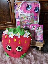 Shopkins Twin Comforter And Pillow Set w/2 pillowcases
