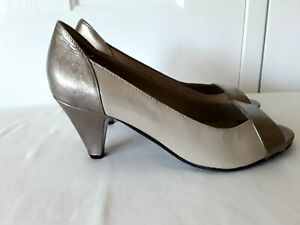 EASY STEPS Azaria Ladies SHOE Size 38 US 7C UK 5 Beige Bronze Patent Leather NEW