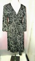 LAURA ASHLEY UK 12 BLACK WHITE V NECK  BODYCON STRETCH PATTERNED DRESS SUMMER