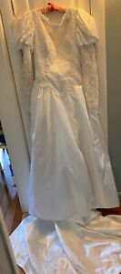 Vintage Jim Hjelm, NY, White Satin Beads Lace Sequins Wedding Dress Size 10