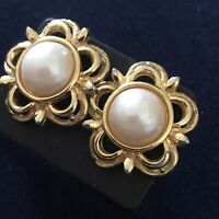 VINTAGE Stud Earrings Faux Pearl Gold Tone Flower Floral Large 2.5cm Statement