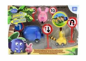 Jungle Junction Disney  Famosa Playset with animals, traffic signs and dioram...
