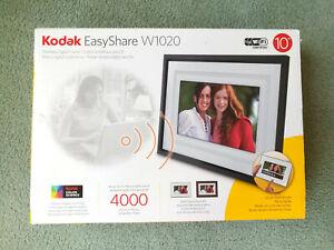 "Kodak EasyShare W1020 10"" Digital Picture Frame, music, wireless, 4000 photos"