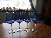 Vina Pantiago Blue White Wine Crystal - Set of 8