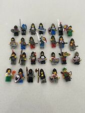 2 Horses I 2 Lego Figurines 8 Knight with Weapon and Head Covers