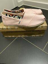 Toms Womans Size Uk 6.5 In Pink Brand New