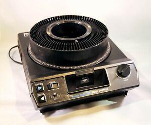 Kodak Carousel 5200 Slide Projector w Carousel, Stack Loader, Leather Case