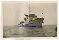 selt Archiv Foto: Marine KM Schiff auf See Minensucher (?) Kennung Brücke ++