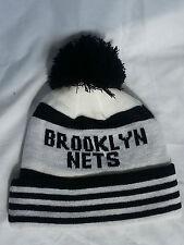 Brooklyn BEANIE TEAM Pom Pom Cappello Inverno Lanoso Bobble Regalo di Natale Cap Hip Hop