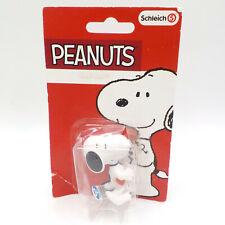 """Schleich Peanuts Figure, Snoopy 2"""" Figurine w/ Valentine Day Heart Gift, PKG DMG"""