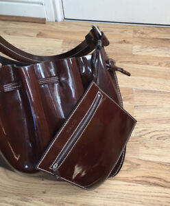 Authentic Bally Drawstring Saddle Brown Patent Leather Shoulder Bag With Wallet