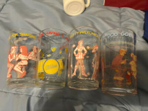VTG 1971 (4)- ARCHIE COMICS JELLY GLASSES- The archies, veronica, hot dog goes