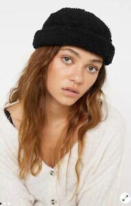 URBAN OUTFITTERS UO Classic Docker Cap Hat BLACK Fleece Borg Teddy BNWT Women