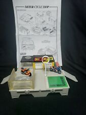 Micro Machines Travel City Al's MOTOR CYCLE SHOP Playset '89 Galoob with 2 Bikes