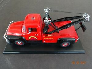 1/18 Welly 1956 FORD Tow Truck / Wrecker -Rainbow Tow -Red / Black - Best Buy !