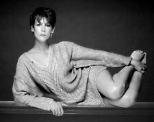 ACTRESS JAMIE LEE CURTIS PIN UP - 8X10 PUBLICITY PHOTO (DD-114)