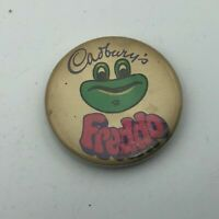 "Vintage Cadbury's Chocolate Advertising Freddo The Frog 1-1/4"" Button Pinback Q7"