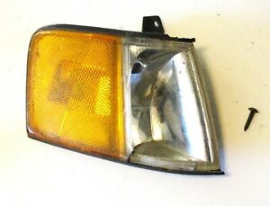 90 91 Honda Civic WAGON Right Front Front Corner Light Turn Signal Side Broken