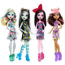4 x Monster High Emoji Fashion Dolls Draculaura Frankie Stein Clawdeen Wolf