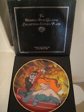 WARNER BROS HARLEY QUINN & POISON Ivy Collector's Plate BATMAN animated  statue