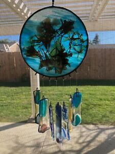 """Vintage Blue Glass Sun Catcher w/Dried Flowers & Art Glass Chime Bell, 5"""" Dia"""