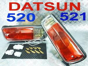DATSUN 521 520 PICKUP TRUCK Front bumper turn signal light parking