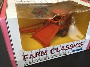 Farm Classics Allis-Chalmers Roto Baler Implement 1:43 #2620 NIB