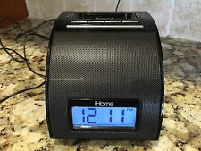 iHome ip11 Alarm Clock iPhone iPod Dock 3g/3gs 4g/4gs Charger w/AC Adpater