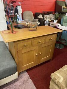 Modern Oak Sideboard (2277)  **Offer Price**