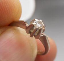 Ancienne bague en  Or blanc 18 carats sertie d'un diamant