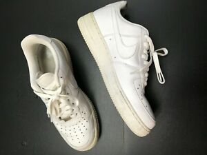 NIKE AIR FORCE ONES SOLID WHITE MENS LOW TOP LACE FRONT SNEAKERS SIZE: 9