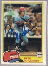 Minnesota Twins PETE MacKANIN autographed 1981 Topps