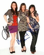 HOT IN CLEVELAND.. Wendie Malick, Jane Leeves, with Valerie Bertinelli - SIGNED