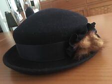 Cappello blu con visone