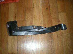 NOS 1989 1990 Ford Probe Rear bumper Stone Deflector End Shield LH E92Z-17E838-B