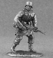World War 2 German Infantryman 1/32 Scale Metal Figure Toy Tin Soldier 54mm