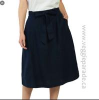 NEW RRP £42.00 Ex  Fat Face Sinead Linen Skirt, Navy                      (B170)