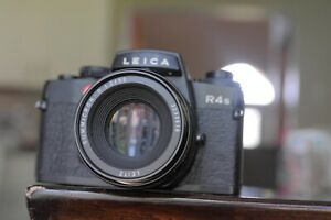 Leica R4S camera body with 50mm F2 summicron Dummy only Display
