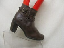 CLARKS Brown Leather Side Zip Fashion Ankle Boots Booties 6.5 M Style 86910