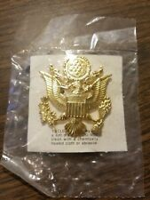 US Army Service Captain/Officers Hat Badge Insignia - New Carded