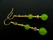 A PAIR OF PERIDOT JADE GOLD PLATED DROP DANGLY EARRINGS. NEW.