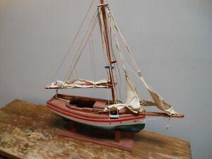Vtg Maine State Correctional Facility Prisoner Carved Wood Sail Boat Art Hull