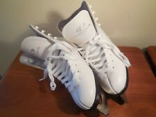 Dominion Canada Ice Queen White Figure Skates Girls/Youth Sz 9?