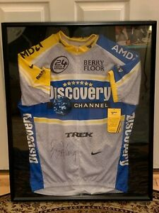 NWT Lance Armstrong Signed Discovery Jersey Tour De France with COA MINT