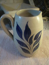 VERY NICE WILLIAMSBURG POTTERY PITCHER  SALT GLAZE GREY WITH COBALT BLUE LEAVES.